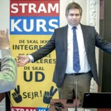 »At der er plads til et så åbenlyst bimlende skørt parti som Stram Kurs i dansk politik i et land, hvor man er bange for skilte på fremmedsprog i det offentlige rum og en fjollet reklame for et flyselskab, bør ikke overraske nogen,« skriver Jarl Cordua.