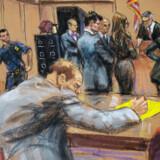 Filmproducenten Harvey Weinstein ses her gengivet under retssagen mod ham af en tegner. Sagen mangler kun juryens afgørelse. Juryens 12 medlemmer begyndte at votere tirsdag og er ikke blevet færdig. (Arkivfoto) Jane Rosenberg/Reuters