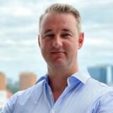 Bestyrelsesformanden for Nordic Eye Management, Niklas Holck, har fået en retssag på halsen, efter at Lars Tvede har stævnet selskabet med krav om – alligevel – at igangsætte en granskning af Peter Warnøe.