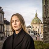 »Problemet er, at din beskrivelse af kvindekønnet også er en beskrivelse af mine veninder. Nu skal jeg fortælle dig lidt om dem,« skriver Amelia Kornerup til Eva Selsing.