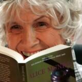 Alice Munro fotograferet i 2009. Den i dag 88-årige canadiske forfatter og nobelprismodtager har ikke skrevet nyt siden 2012, men nu udkommer hendes tredje novellesamling for første gang på dansk.
