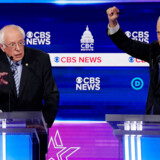 Senator Bernie Sanders og tidligere vicepræsident Joe Biden havde flere sværdslag under den 10. TV-debat mellem de håbefulde præsidentkandidater i Charleston, South Carolina, tirsdag aften.