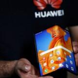 Huaweis nye 19.000 kroner dyre og foldbare Mate Xs-smartphone er den første, der kommer til salg i Danmark uden Googles Android.