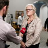 Sundhedsordfører for Dansk Folkeparti Liselott Blixt opfordrer til, at danskere udskyder alle unødvendige rejser: »Det er ikke hysterisk at spørge sig selv, om der er noget, man kan gøre for at undgå, at flere bliver smittet med coronavirus.«