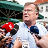 Trods mange år i dansk politik og som central minister har Venstres Claus Hjort Frederiksen aldrig oplevet dét, han ser i disse dage: »Nej, det ved Gud, jeg ikke har.«