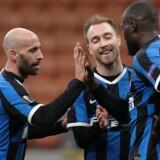 Eriksen jubler med holdkammeraterne Borja Valero og Romelu Lukaku i torsdagens Europa League-kamp.
