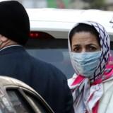 Panikken breder sig i Iran, hvor befolkningen er bekymret for, at det officielle tal for antallet af smittede er kraftigt underdrevet.