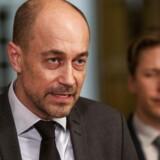 Sundhedsminister Magnus Heunicke (S) (t.v.) holder fredag sidst på eftermiddagen pressemøde om coronasituationen.