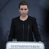 Statsminister Mette Frederiksen holder pressemøde fredag aften om coronasituationen.