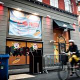 ARKIVFOTO: Koncernen Rekom, der har over 90 barer og natklubber i Danmark, har fulgt den opfodring, og har siden lukket alle sine steder ned.