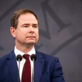 Finansminister Nicolai Wammen (S) og erhvervsminister Simon Kollerup (S) præsenterede på et pressemøde onsdag regeringens forslag til en ny hjælpepakke til virksomhederne.