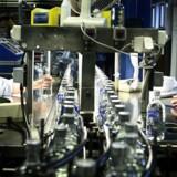 Absolut, som tidligere var ejet af den svenske stat, men i dag ejes af den franske Pernod-koncern, vil omstille en del af sin produktion på fabrikken i Åhus i Sydsverige til at producere desinfektionssprit.