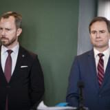 Finansminister Nicolai Wammen (S) og Venstres formand Jakob Ellemann-Jensen har brugt mange timer på at indgå en aftale om hjælpe til erhvervslivet under corona-epidemien. Udfordringen er så stor, at det skubber til tidsplanen for de øvrige forhandlinger, som regeringen ville have gennemført i år. Liselotte Sabroe/Ritzau Scanpix