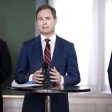 Det er samtlige Folketingets partier, som står bag den nye krisepakke til de danske virksomheder og lønmodtagere. Finansminister Nicolai Wammen (S) præsenterede sammen med de politiske ordførere fra alle partierne pakken på et pressemøde i Finansministeriet torsdag.