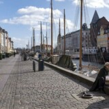 Tomme gader og et nedlukket Danmark og København. Det er hverdag under coronakrisen, og det kan sende den danske økonomi ud i den værste krise siden Anden Verdenskrig. Alle håber på, at hjælpepakkerne kan afbøde faldet.