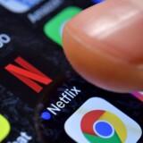 Flere udenlandske streamingtjenester har skruet ned for billedkvaliteten for at undgå internetpropper. Også DR er klar til at sænke billedkvaliteten.