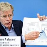 WHOs seniorrådgiver, Bruce Aylward, mener, at måden, man mest effektivt bekæmper virussen på, ikke er at lukke hele lande ned, men at teste.