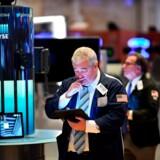 Aktiehandlere, som her i USA, har meget at spekulere over i øjeblikket