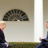 »Jeg vil elske at få folk tilbage på arbejde til påske,« sagde præsident Donald Trump til Fox News Channel tirsdag.