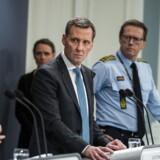 Justitsminister Nick Hækkerup (S) og rigspolitichef Thorkild Fogde fortæller onsdag på regeringens daglige pressemøde om coronasituationen.