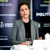 Helene Probst fra Sundhedsstyrelsen gik på et pressemøde onsdag i rette med både WHO og sundhedsminister Magnus Heunicke. WHOs anbefalinger er nemlig kun rammesættende – ikke konkrete anbefalinger møntet på Danmark.