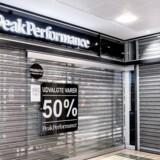 Danmark lukker ned pga. af coronavirus. Et af Danmarks største butikscentre, Rødovre Centrum er sjældent affolket disse dage, da de fleste butikker er tvunget til at holde lukket. Jyske Bank kommer nu med et bud på, hvor hårdt det vil ramme dansk økonomi.