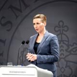 Statsminister Mette Frederiksen har været en stærk og synlig leder i de første faser af coronakrisen. Hun bliver nu nødt til at overveje, hvordan hun får sikret et stærkere samspil med de øvrige partier.