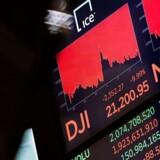 Frygten er selvfølgelig, at udbruddet – og ikke mindst nedlukningerne – vil føre en grim recession med sig.