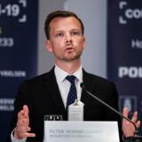 Regeringen vil suspendere 225-timers reglen for kontanthjælpsmodtagere under coronakrisen, oplyser beskæftigelsesminister Peter Hummelgaard.