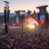 Der bliver ingen koncerter med publikum foran Roskilde Festivals Orange Scene denne sommer som følge af regeringens forlængelse af forbuddet mod store forsamlinger.