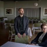 De nåede lige at fejre titlen »Danmarks Bedste Badehotel«. Godt en uge senere måtte Kathrine Henriksen og Jonas Skaaning lukke, og der har ikke været åbent siden. De er fortrøstningsfulde, men uvisheden gnaver.