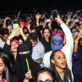 Det er kun to år siden, at den første stadionkoncert kom til Saudi-Arabien. Dengang sad kvinder og mænd kønsadskilt, og det blev set som progressivt. På rekordtid har alt ændret sig.