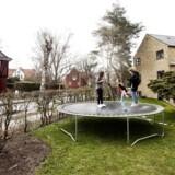 En typisk børnefamilie har udsigt til at få flere penge mellem hænderne i 2018, spår Danske Bank i ny prognose.