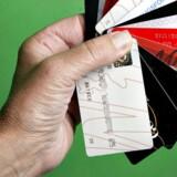 I jagten efter gode tilbud og medlemsfordele overser forbrugerne, at de betaler en høj pris. Virksomhederne lukrerer nemlig på deres data. Her er det Stine Larsen, der som mange andre har pungen fuld af klubkort.