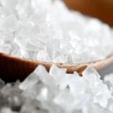 """Ni ud af ti danskere spiser for meget salt, og det kan gøre os alvorligt syge. Den """"skjulte"""" salt i vores mad er den største synder."""