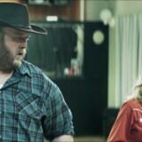 Ensomme hjerter mødes – og sød musik opstår under linedancen. Islandske Fúsi (Gunnar Jónsson) og Sjöfn (Ilmur Kristjánsdóttir) i »Virgin Mountain«. PR-foto