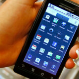 Her kommer nettets store indtægtskilde til at strømme fra. Google har tidligere lanceret styresystem til mobilen, nu opkøber de også et mobilreklamenetværk.