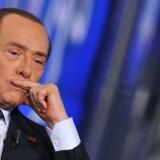 Silvio Berlusconi skal under kniven.