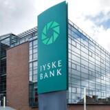 Jyske Banker endnu engang havnet i en betændt skattesag. Banken har ifølge en større international lækage af dokumenter fra advokatfirmaetMossack Fonsecai Panama hjulpet sine kunder med at undgå at skulle betale skat ved at stifte selskaber i skattely.