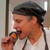 Restauratør og kok Claus Meyer købte sig i december sidste år ind i Chabber, med det sigte at han skulle få online-platformen ud over rampen i byer som London og New York. De planer er nu sat på pause.