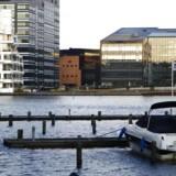På grund af den manglende transportinfrastruktur må der i dag ikke bygges på den store grund mellem Øresund og Københavns Havn.