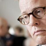 Møgsagerne har fyldt meget i forsvarsminister Carl Holsts korte ministertid, og den seneste sag om, hvorvidt en skatteyderbetalt medarbejder i Region Syddanmark har ført valgkamp for ham i forsommeren, har han selv med sine udtalelser været med til at sætte fokus på.