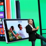 Nokias topchef Stephen Elop (billedet) bliver afløst af Rajeev Suri