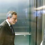 Verdens øjne vil til eftermiddag atter være rettet mod Mario Draghi og Den Europæiske Centralbank.