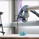 Et forskerhold på University of Cambridge har udviklet en »moder-robot«
