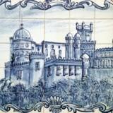 »... disse kakler fortæller om de fantastiske ting, man kan opleve i verden. » Klassisk portugisisk azulejos-kakel. Foto: Niels Houkjær/Scanpix.
