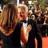 70th Cannes Film Festival - Screening of the film Le redoutable (Redoubtable) in competition - Cannes, France. 21/05/2017. Actor Dustin Hoffman poses with his wife Lisa. REUTERS/Regis Duvignau
