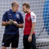 Landstræner Åge Hareide og Christian Eriksen under søndagens træning i Anapa , Rusland søndag den 24 juni 2018.. (Foto: Liselotte Sabroe/Ritzau Scanpix)