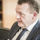 Da statsminister Lars Løkke Rasmussen (V) onsdag præsenterede regeringens forslag til bekæmpelse af hadprædikanter, fremhævede han en britisk model med indrejseforbud for uønskede udlændinge. Men et forbud mod indrejse kan vise sig at være i strid med Schengen-reglerne, som Danmark i modsætning til Storbritannien er underlagt, skriver Jyllands-Posten.