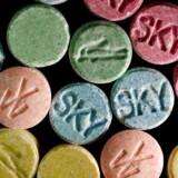 Arkivfoto. Stærke MDMA-piller, som typisk tager sig ud som på billedet, er blevet fundet hos en ung mand, der til politiet har forklaret, »at han var klar over, at der var tale om meget stærk MDMA«, men alligevel solgte det til to 15-årige drenge.